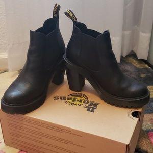 Dr. Martens womens 7 Hurston boots